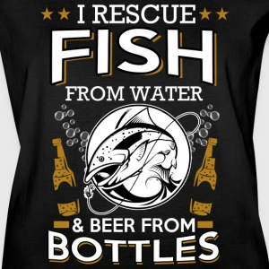 I rescue fish from water and beer from bottles - Women's Vintage Sport T-Shirt