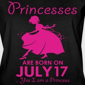 Princesses Are Born On July 17 - Women's Vintage Sport T-Shirt