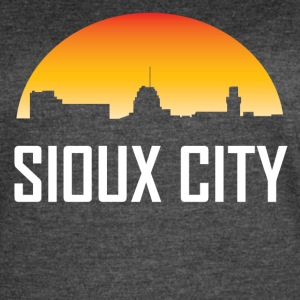 Sioux City Iowa Sunset Skyline - Women's Vintage Sport T-Shirt