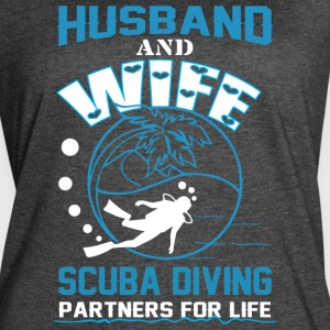 Husband And Wife Scuba Diving T Shirt - Women's Vintage Sport T-Shirt