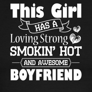 This Girl has A Smokin Hot And Awesome Boyfriend - Men's Ringer T-Shirt