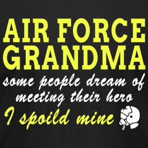 AIR FORCE AIR FORCE GRANDMA SOME PEOPLE DREAM - Men's T-Shirt by American Apparel