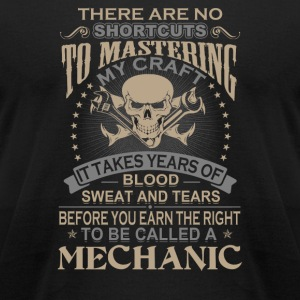 Mechanic - It takes years of blood sweat and tea - Men's T-Shirt by American Apparel