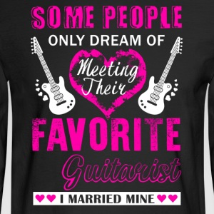 Guitarist Wife Shirt - Men's Long Sleeve T-Shirt