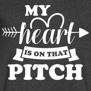 My heart is on that pitch - Men's V-Neck T-Shirt by Canvas