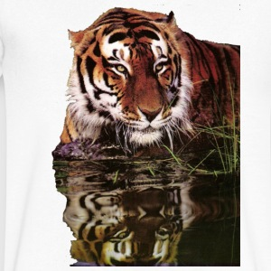 Tiger reflection - Men's V-Neck T-Shirt by Canvas