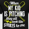 WHEN MY KID IS PITCHING SOFTBALL THEY ALL LOOK LIK - Men's Premium T-Shirt