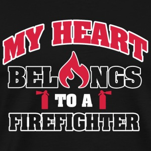 Fireman - My heart belongs to a firefighter - Men's Premium T-Shirt