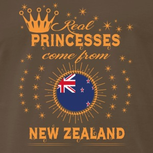 love princesses come from NEW ZEALAND - Men's Premium T-Shirt