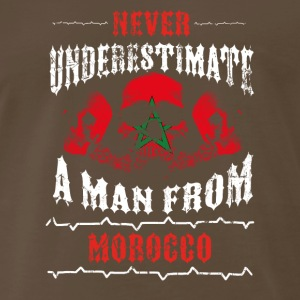never underestimate man MOROCCO - Men's Premium T-Shirt