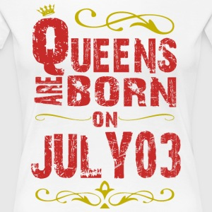 Queens are born on July 03 - Women's Premium T-Shirt