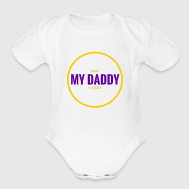 Roo Daddy Que   Gold - Short Sleeve Baby Bodysuit