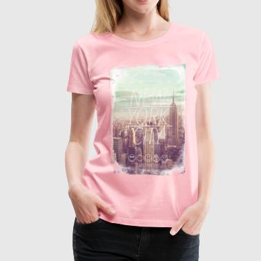 SmileyWorld New York City Skyline - Women's Premium T-Shirt