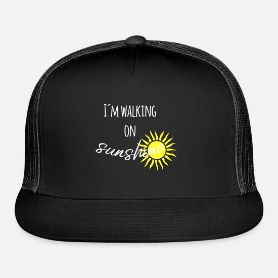 66aafd214 I´m walking on sunshine sun slogan Trucker Cap | Spreadshirt