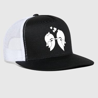 kissing birds - Trucker Cap