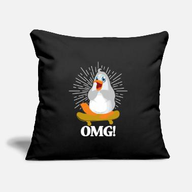 "Freeze OMG, see the cute penguin Tee. Süßer Pinguin. - Throw Pillow Cover 18"" x 18"""