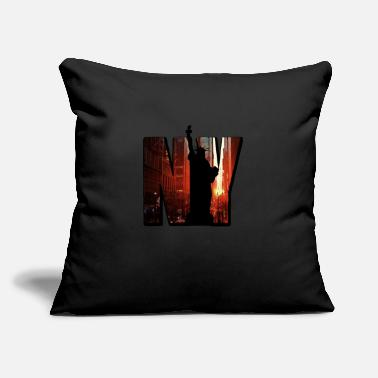 "New York City Vintage New York City Skyline NYC Liberty Big Trip - Throw Pillow Cover 18"" x 18"""