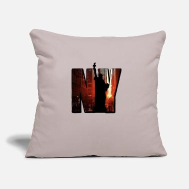 "City Vintage New York City Skyline NYC Liberty Big Trip - Throw Pillow Cover 18"" x 18"""