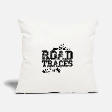 "Trace traces - Throw Pillow Cover 18"" x 18"""