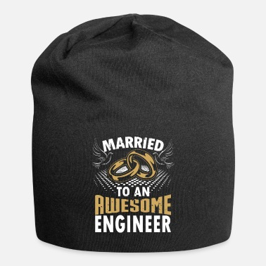 Married To An Awesome Married To An Awesome Engineer - Beanie