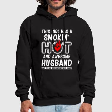 Husband Husband - This girl has an awesome husband - Men's Hoodie