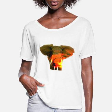 Serengeti ELEPHANT in the Serengeti - Women's Flowy T-Shirt