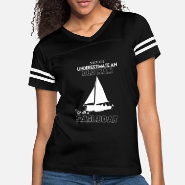 Never Underestimate an Old Man With A Boat Mens Funny Sailing T-Shirt Sailor