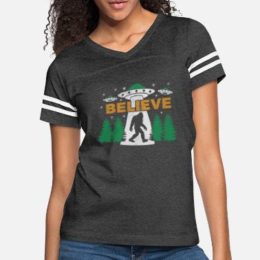 Ufo Bigfoot UFO Aliens BELIEVE Sasquatch Gift - Women's Vintage Sport T-Shirt