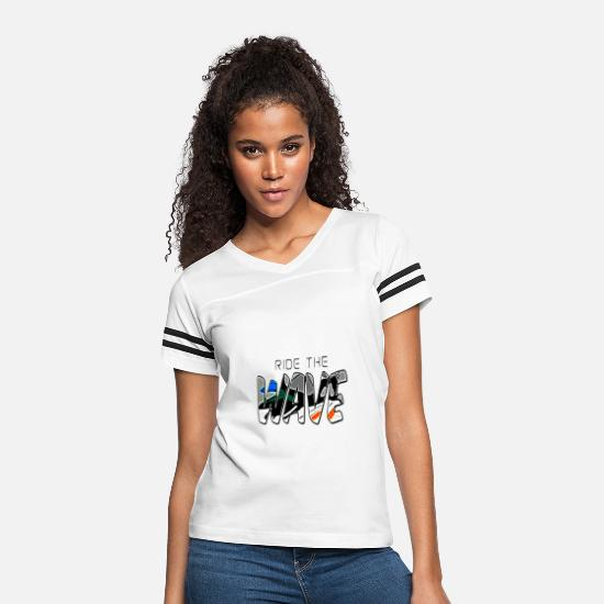 "Streetwear T-Shirts - Solehouette ""RIDE THE WAVE"" - Women's Vintage Sport T-Shirt white/black"