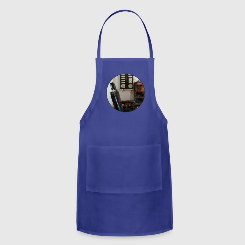 Eye Doctor's Office With - Adjustable Apron