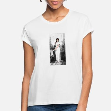 Girl with a bird - Women's Loose Fit T-Shirt
