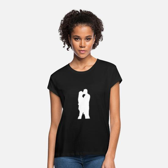 Meringue T-Shirts - Couple hugging and kissing - Women's Loose Fit T-Shirt black