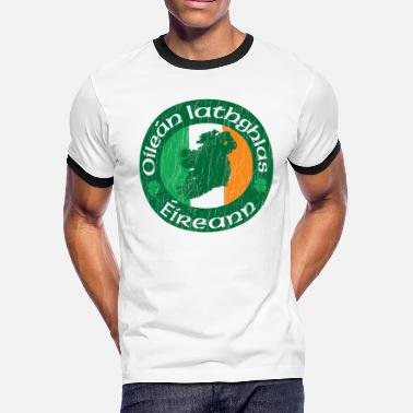 Irish Bar Oilen Iathghlas ireann: The Emerald Isle - Men's Ringer T-Shirt