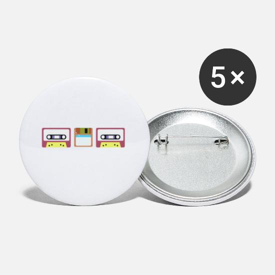 Retro Buttons - Never Forget - Small Buttons white