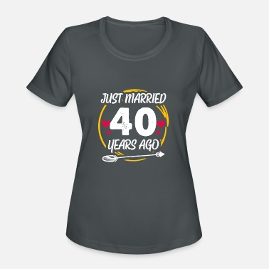 Funny 40th 40 year Wedding Anniversary Gift Married - Women's Sport T-Shirt