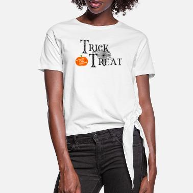 Bloody Trick or Treat - Halloween - Pumpkin - Zombie - Women's Knotted T-Shirt