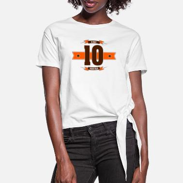 B Day B-day 10 - Women's Knotted T-Shirt