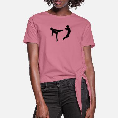 Two slapping - Women's Knotted T-Shirt