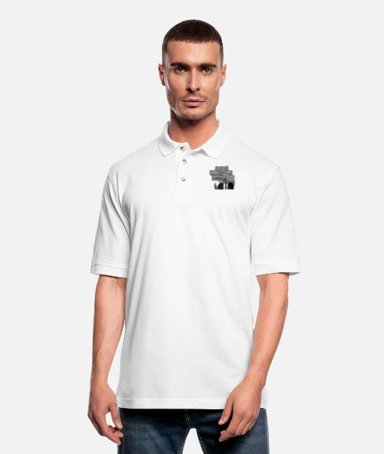 Red Polo Shirts - Trump Doesn't Need A Wall To Make America Great. - Men's Pique Polo Shirt white