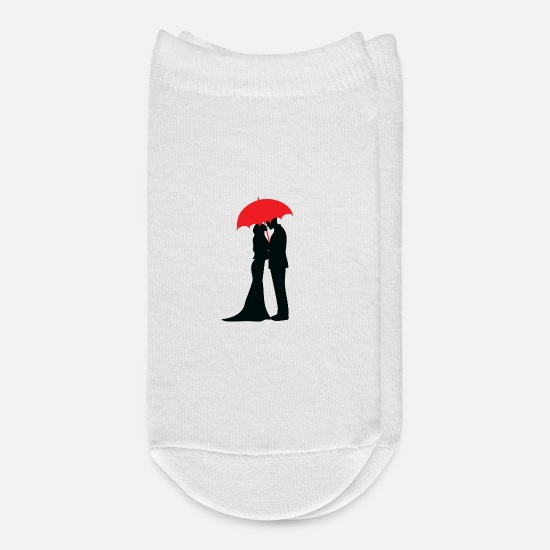 Love Socks - Couple Kissing under umbrella - Ankle Socks white
