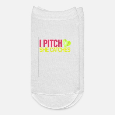 Pitch I pitch, she catches proud Husband Shirt - Ankle Socks