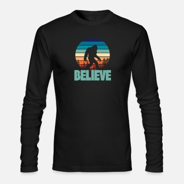 Sasquatch Bigfoot Retro Vintage BELIEVE - Men's Longsleeve Shirt