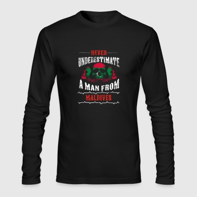 never underestimate man MALDIVES - Men's Long Sleeve T-Shirt by Next Level