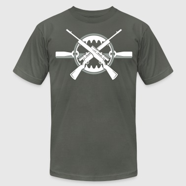 Crossed rifles over bear trap - Men's Fine Jersey T-Shirt