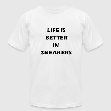 Sneaker Quotes life is better in sneakers - Men's Fine Jersey T-Shirt