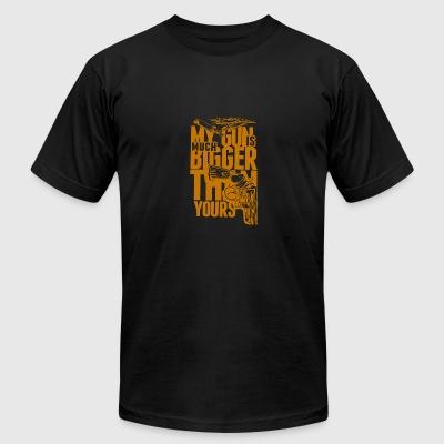 My gun is much bugger than yours - Men's T-Shirt by American Apparel