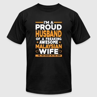 Freaking awesome Malaysian wife - Proud husband - Men's T-Shirt by American Apparel
