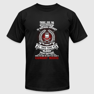 Combat medic - It takes years of blood sweat tea - Men's Fine Jersey T-Shirt