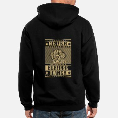 Bernese Draft Dogs Bernese owner's power - Never underestimate - Men's Zip Hoodie