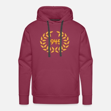 Laurel Wreath Birthday 1945 - Men's Premium Hoodie
